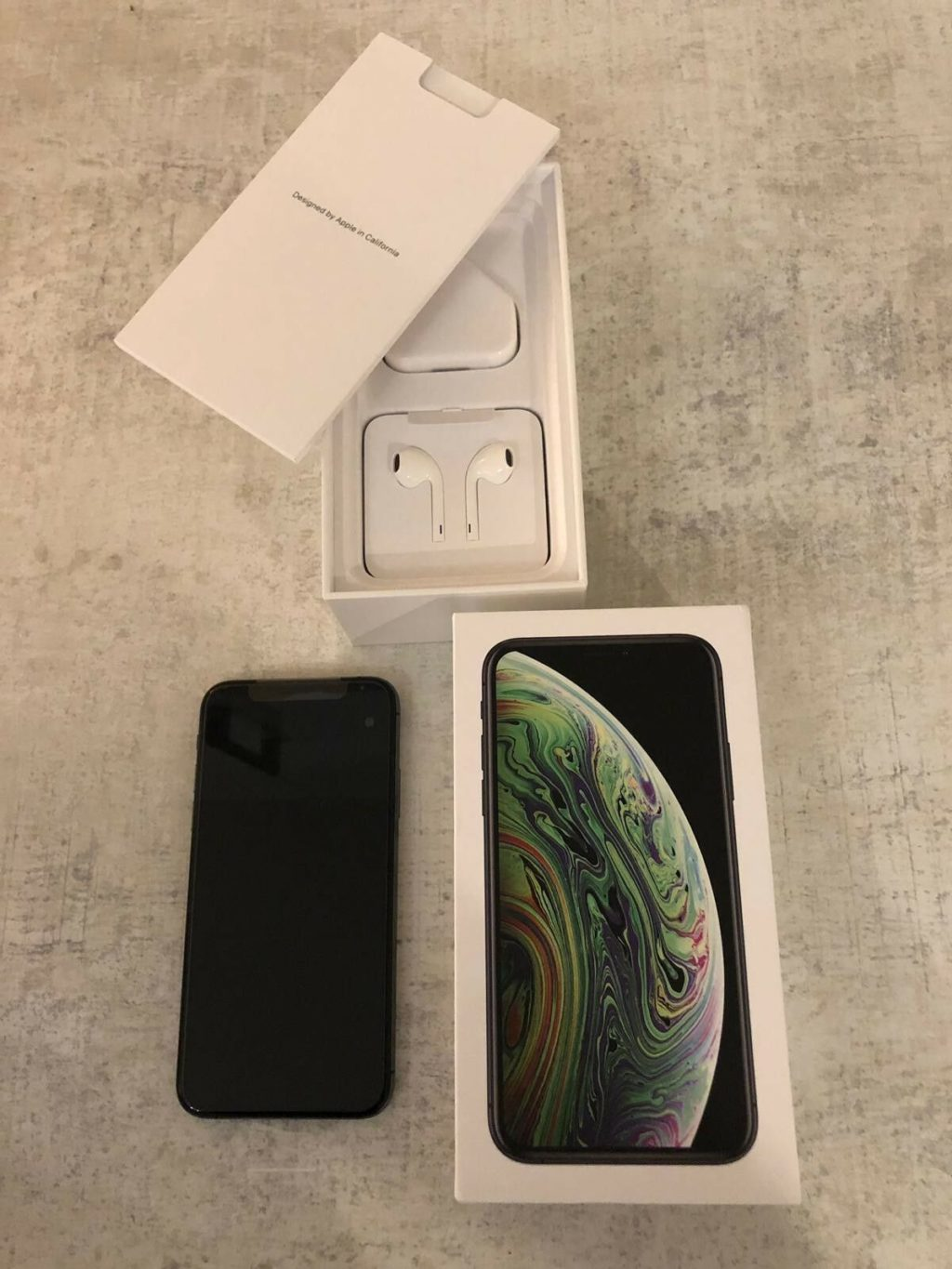 Apple iPhone XS 64gb Space Grey.